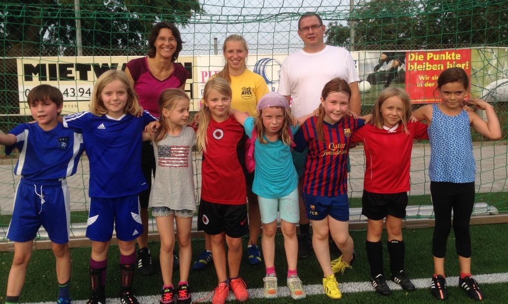 E2-Juniorinnen mit Trainern